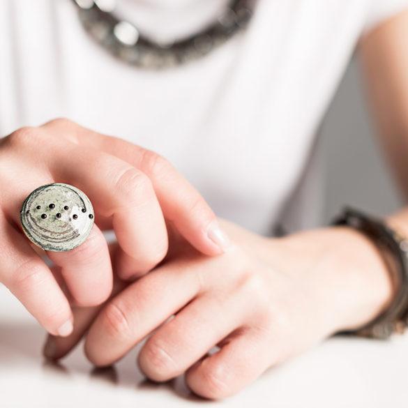 ring | №221 Dots auf Grün